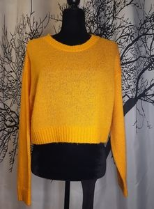 Divided by H&M Yellow Cropped Long Sleeve Sweater